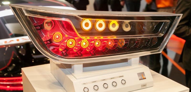 2016照明+建筑展中的LED/OLED 尾灯展示器