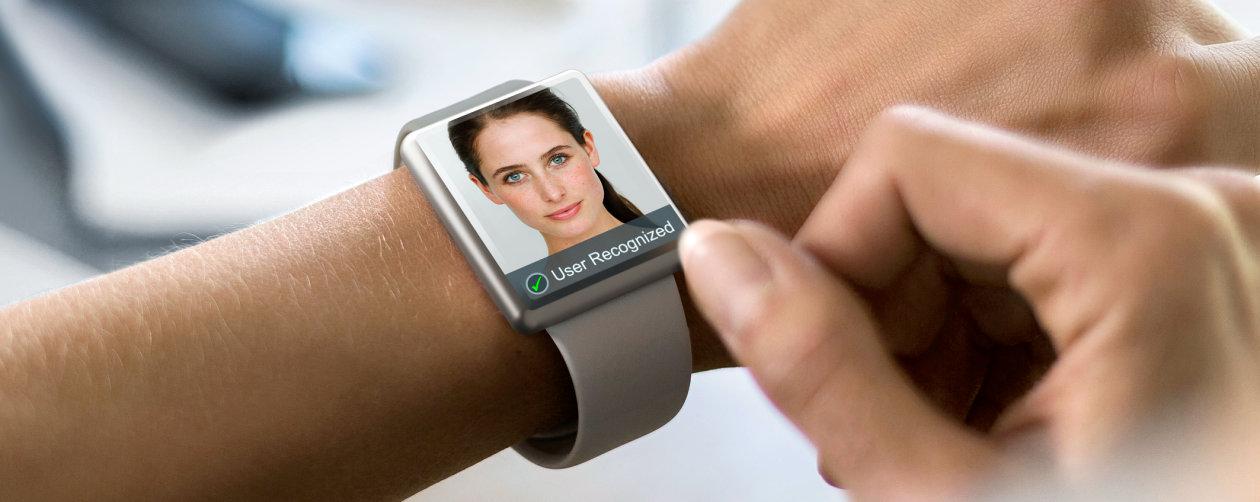 """极致紧凑的欧司朗新型红外LED,助力智能手表实现人脸识别""""黑科技""""。"""
