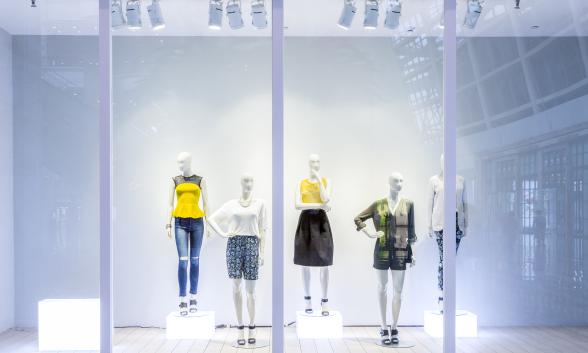 商店,商场,货品陈列室,橱窗,超市,陈列架以及和促销点的照明