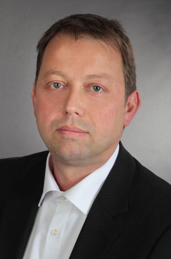 专家Roland Fiederling