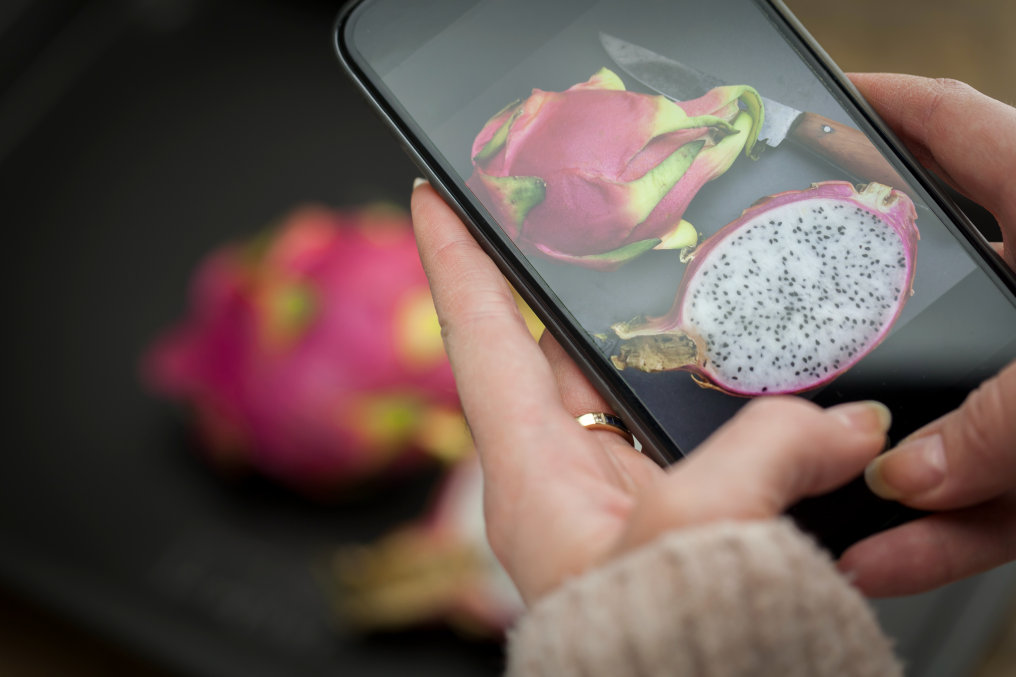 Food analysis with smartphone